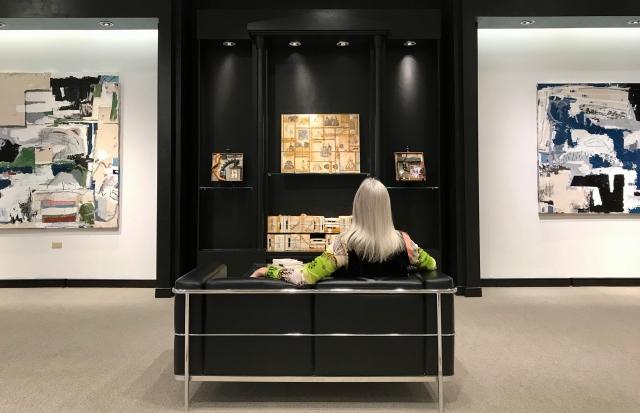 Satch, Saks Exhibition